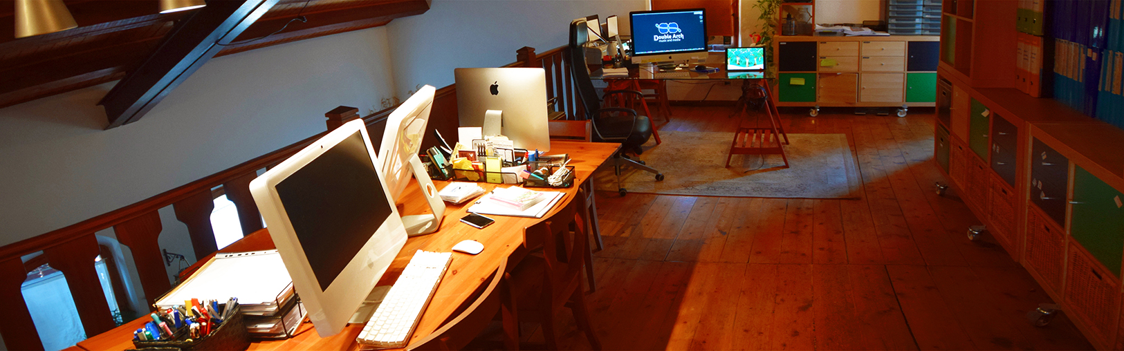 Double Arch:la sala Graphic design